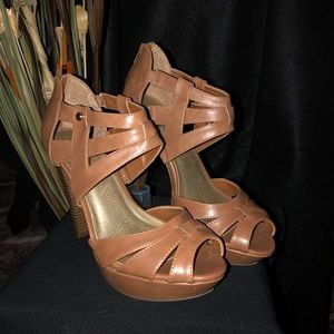 Guess Leather Heels Size 9 Brown